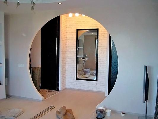 арки разделяющие комнату фото